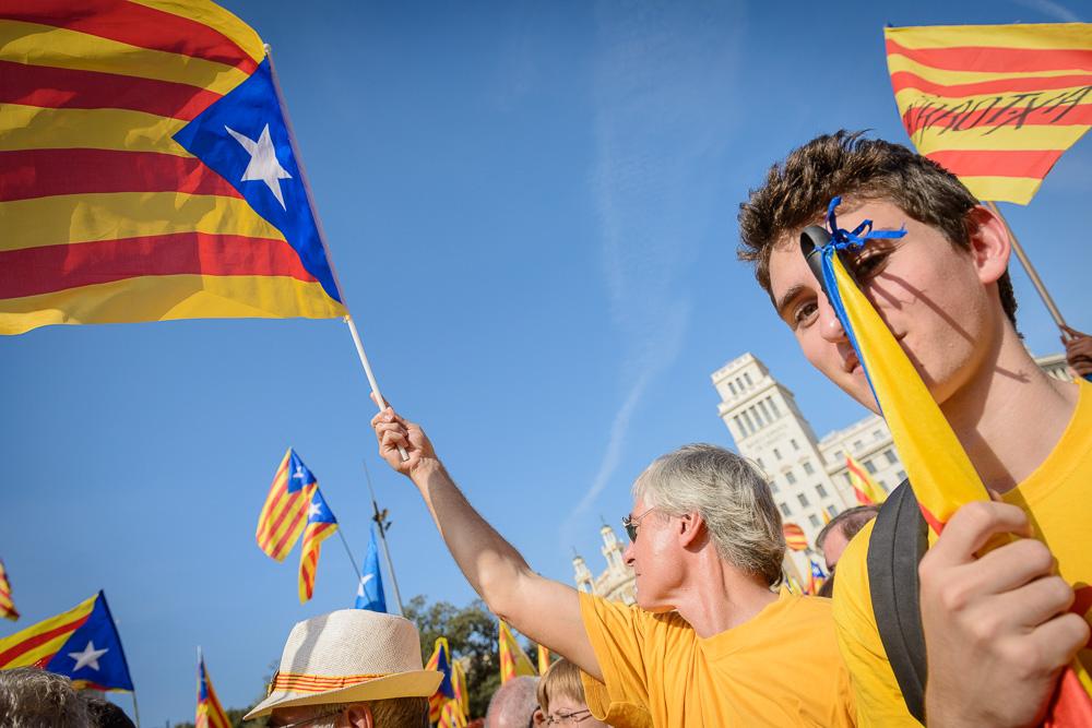 Ara és l'hora: Fotos de la concentració a Plaça Catalunya, 19 d'octubre